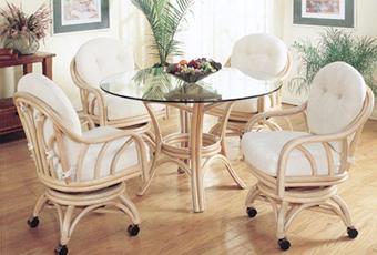 Достоинства мебели из ротанга