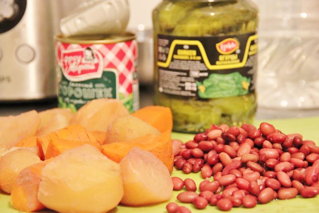 Оливье с фасолью