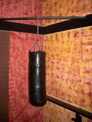 Как сделать самодельную боксерскую грушу 705