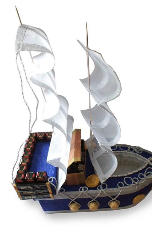 Подарочный кораблик