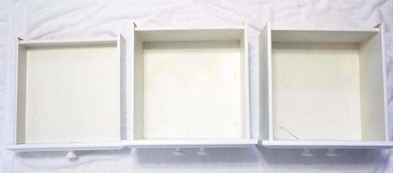 Как переделать стандартную мебель спомощью обоев