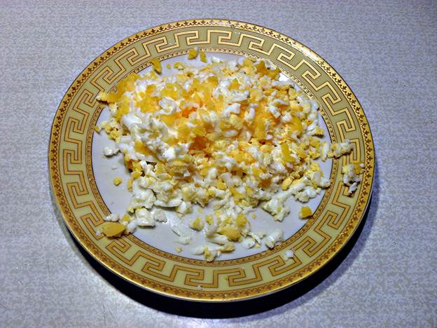 Тертые яйца