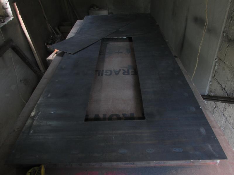 Металлическая дверь с окном