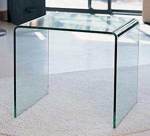 Стеклянная мебель. Столик из стекла