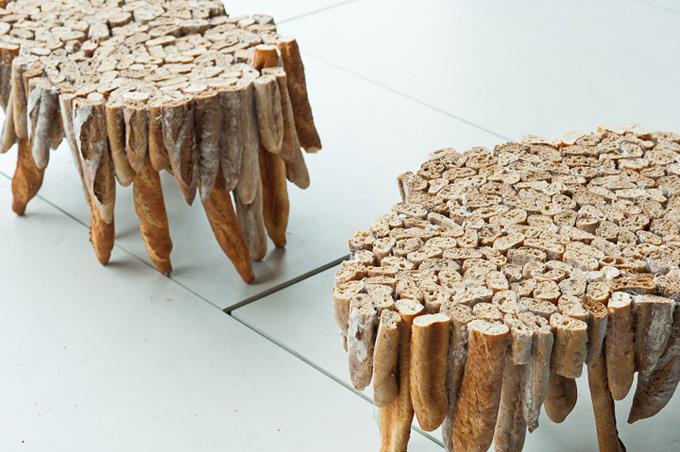 Столик из багетов