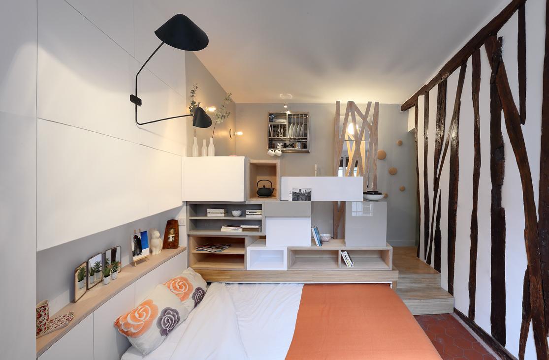 Кровать под подиумом