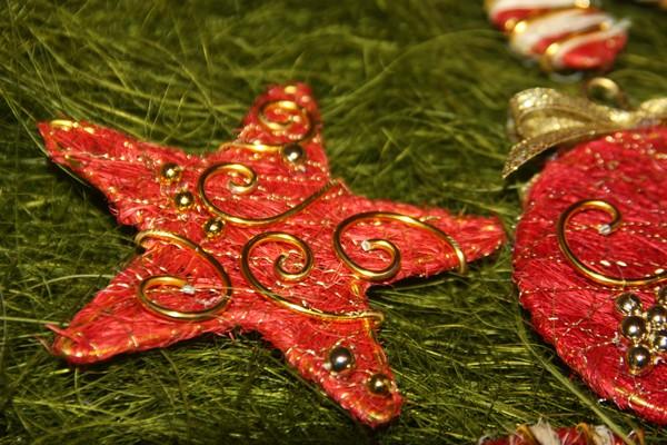 Новогодние украшения из проволоки своими руками